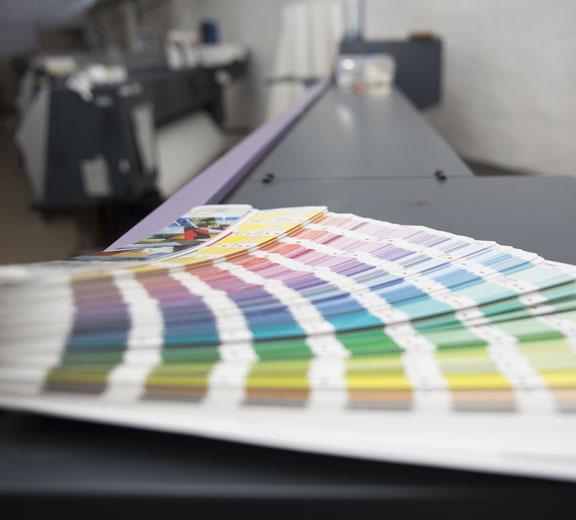 grafik-pantone-drukarnia-plotery